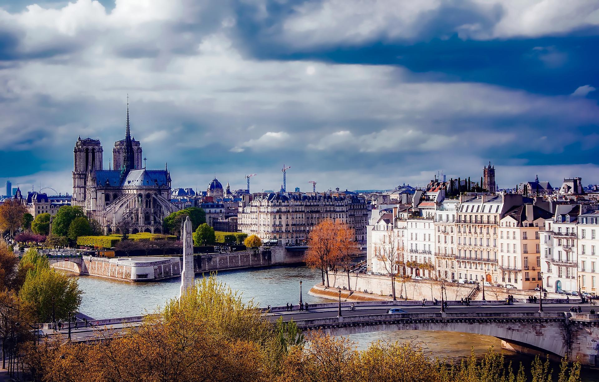 paris-1900442_1920